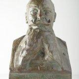 Gipsen borstbeeld van directeur-generaal R. Pierre