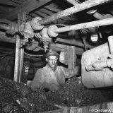 Mijnwerker aan het werk ondergronds