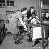 Vrouwen maken thee
