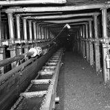 Bouwwerk in pijler en steengang ondergronds Staatsmijn Wilhelmina