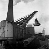 Elektrische grijperkraan op de Cokesfabriek Maurits