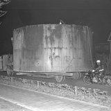 Transport van grote ketels op de Staatsmijn Emma