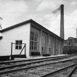 Nieuw gebouw van het Spoorweg- en Expeditiebedrijf op de Staatsmijn Hendrik