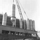 Polyethyleen Proeffabriek (P.E.P.)  in aanbouw op de Cokesfabriek Emma