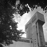 De nieuwe schachtbok (62 meter hoog) van Schacht 4 op de Staatsmijn Hendrik
