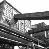 Menggebouw en kolentoren op de Cokesfabriek Emma