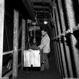 Vervoer materiaalbakken in de leermijn van de Staatsmijn Wilhelmina