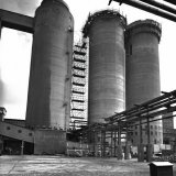 Drie priltorens van de Nitraatfabriek op het Stikstofbindingsbedrijf