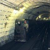 Perslucht locomotief in betonkoker ondergronds