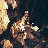 Ondergrondse opname - arbeiders eten boterham
