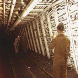 Mijnmeters in ondergrondse galerij op de Staatsmijn Maurits