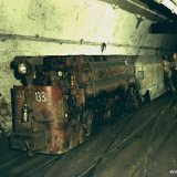 Perslucht locomotief met personentrein