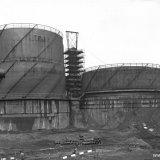 Gashouders van de Salpeterzuurfabrieken op het Stikstofbindingsbedrijf