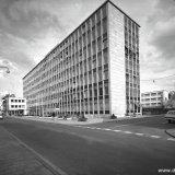 Voorgevel van de nieuwbouw van het Hoofdkantoor in de Stationstraat te Heerlen