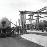 Eerste tankwagen en tankwagon bij de ammoniakopslag op het SBB