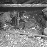 Houwers F. Hamers en J. Beijer pijler 4, laag klein Meuhernbach afdeling B, ondergronds Willem Sophia