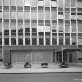 Ingang nieuwbouw Hoofdkantoor aan de Stationstraat in Heerlen