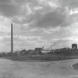Acrylonitrilfabriek in aanbouw. Op de achtergrond de Lysinefabriek