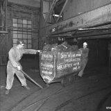 Laatste mijnwagen met kolen uit de Staatsmijn Wilhelmina
