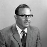 Portret van Dr. Bigot, Chef Organische- en Polymeerchemie van het Centraal Laboratorium