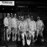 Directie en functionarissen van Limagas brengen een bezoek aan het ondergronds bedrijf van de Staatsmijn Emma