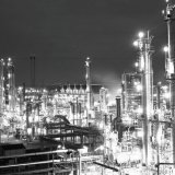 Nachtopname van Naftakraker 3