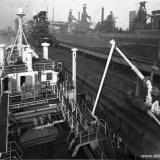 Verlading van ammoniak bij Hoogovens in IJmuiden