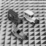 Speelgoedautootjes uit de Speelgoedfabriek van het Fonds voor Sociale Instellingen (FvSI)