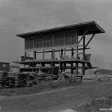 Het betonnen skelet van de Oxygasfabriek van de Cokesfabriek Emma II te Beek