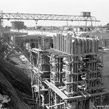 Diepbunker voor de opslag van fijnkool op de Cokesfabriek Emma 2 in aanbouw