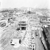 Overzicht van de in aanbouw zijnde Cokesfabriek Emma 2. Op de voorgrond de diepbunker