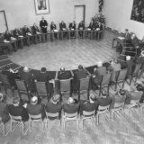 1e Openbare vergadering van het Bedrijfschap voor de Steenkolenmijnindustrie (MIR) op dinsdag 15-2-1955 in het Raadhuis te Heerlen. Minister A. C. de Bruyn aan het woord
