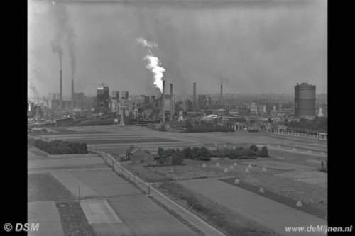 Cokesfabriek Maurits bij nacht