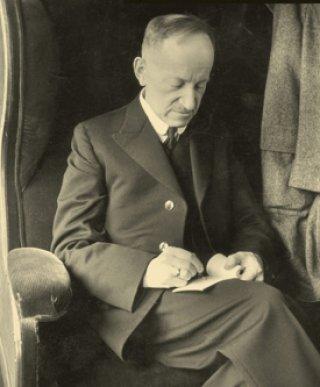 Pierre Kemp, kunstenaar en pendelaar