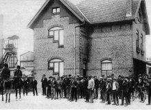 Drie krantenknipsels uit het jaar 1917 over gebeurtenissen rond de Staastsmijn Emma